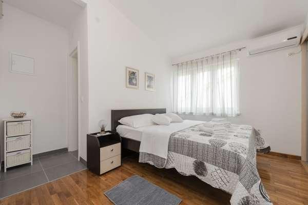 Apartment Antea****