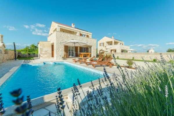 Villa Nina 2