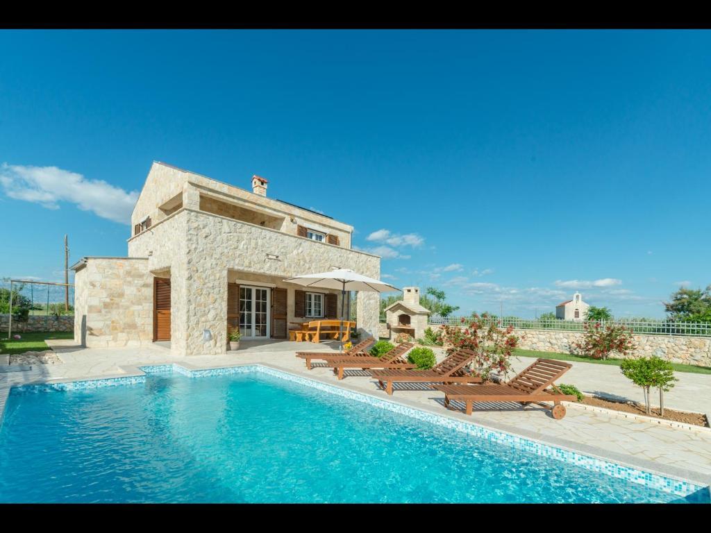 Villa Nina 1